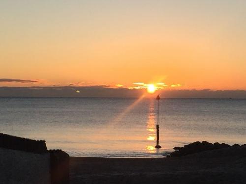 Sun in Sandbanks